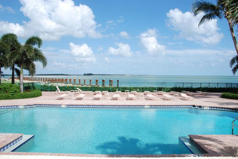 Pool with an ocean view...It doesn't get any better than this! - Paradise...it's waiting for you! - Marco Island - rentals