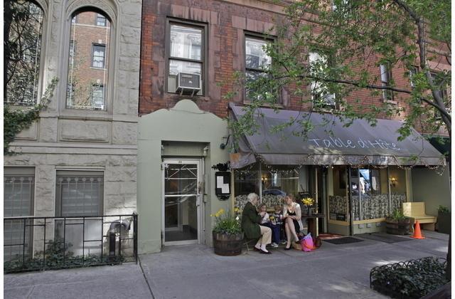 Studio/outdoor space, Carnegie Hill. UpperEastSide - Image 1 - New York City - rentals