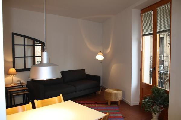 Rambla D - Centric Apartment - Image 1 - Barcelona - rentals