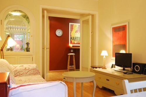 living room - Filmoteca Sarrià - Centric and Elegant Apartment - Barcelona - rentals