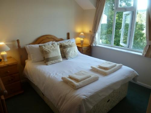 BEECH HOW COTTAGE, Windermere - - Image 1 - Bowness & Windermere - rentals