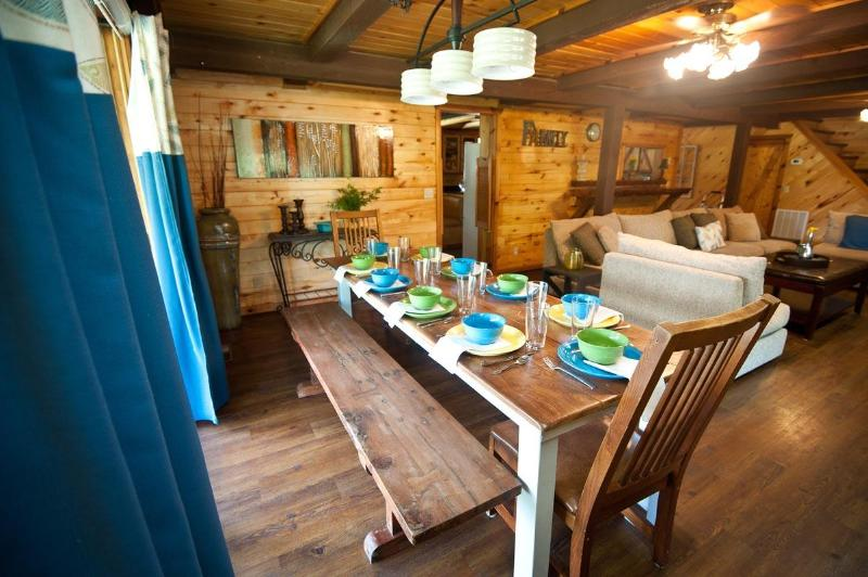 Dining table - Arbor Breeze Lodge-sleeps 24 (no futons!) - Sulphur - rentals