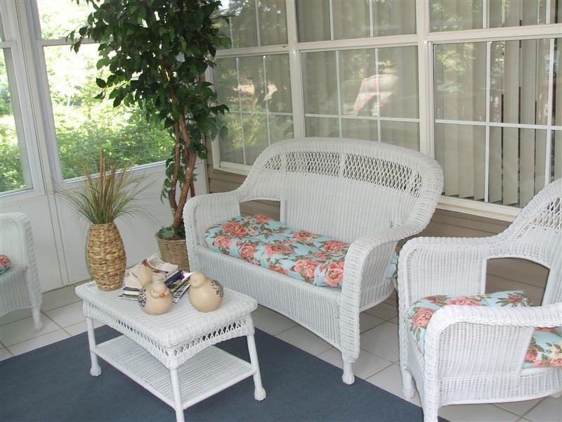 You'll love this screened in porch - Fisherman's Retreat *2 King Sleeps  6*Overlooks Lake Taneycomo*Close to Marina - Branson - rentals