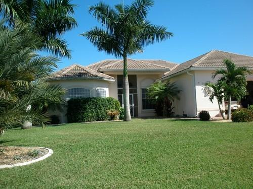 Front view - 4 Bedroom /3 Bath,On The water,Pool,Cape Harbor - Cape Coral - rentals
