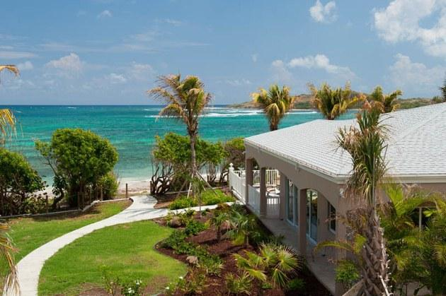 Cruzan Sands Villa - Right on the Beach! - Cruzan Sands Villa! BEACHFRONT! New! Pool! Amazing Views!  Snorkel! Swim! Play! - Christiansted - rentals