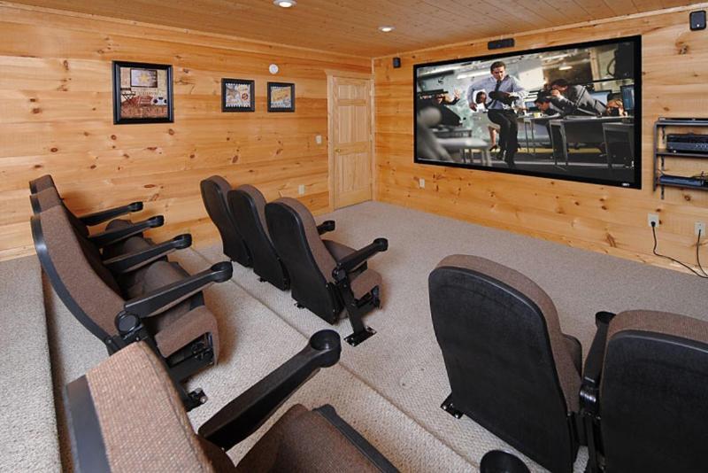 Theatre Room - 10 Foot Screen - Apple TV with Netflix Account - Gatlinburg Views - Luxury 5 bdrm downtown location - Gatlinburg - rentals