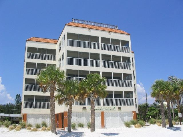 Gulffront corner condos that overlook the white sandy beach and the Gulf of Mexico. - Bay to Beach Boutique Resort - Fort Myers Beach - rentals