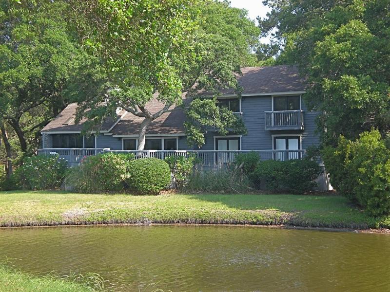 Back of house facing lagoon - 4 bedroom 4.5 bath in Kiawah Island SC - Kiawah Island - rentals