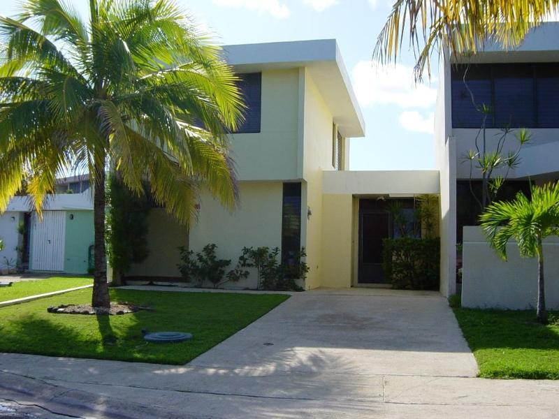 Luquillo Beach Villa Exciting Family Trip Vacation - Image 1 - Luquillo - rentals