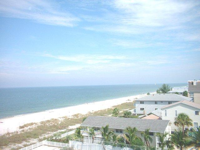 Popular Reef Club Luxury Beachfront Condominium - Image 1 - Indian Rocks Beach - rentals