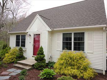 Facade of home facing Jenkins Pond - Falmouth Vacation Rental (107403) - Falmouth - rentals