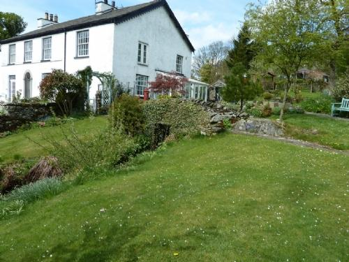 LITTLE GHYLL COTTAGE, Ings - Image 1 - Windermere - rentals