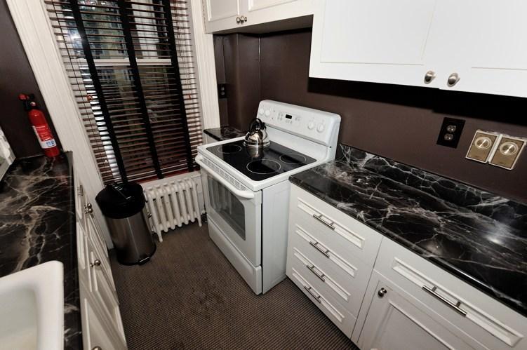 3 Bedroom in Midtown East *8466* - Image 1 - New York City - rentals