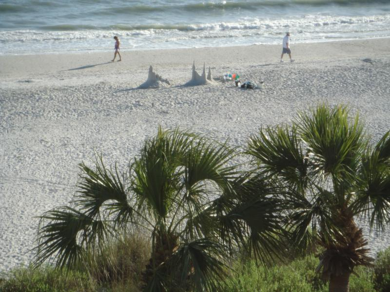 View from condo - 2 Bedroom Penthouse Sanibel Gulf Front Condo - Sanibel Island - rentals