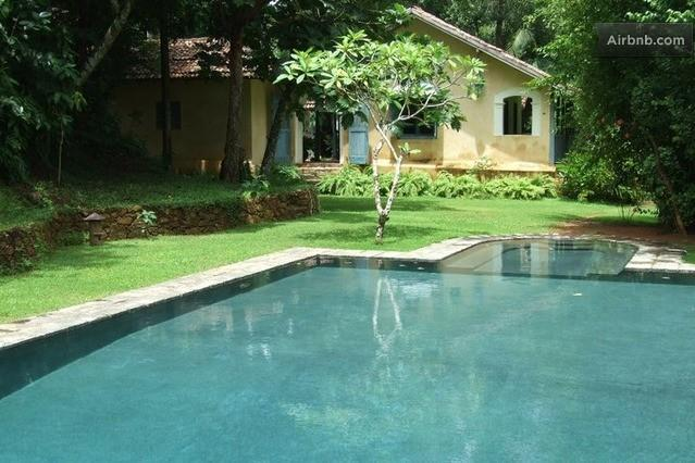 The Pool.  50 ft including the very shallow area for very small ones and maybe some adults! - Hempel House - Galle - rentals
