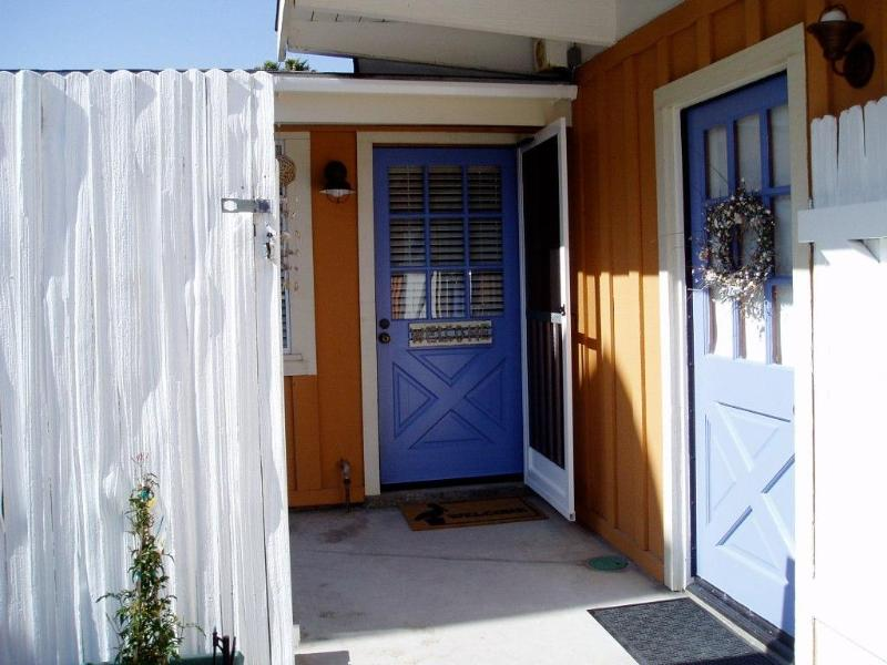Adorable Nantucket-style Beach Cottage in Ventura - Image 1 - Ventura - rentals