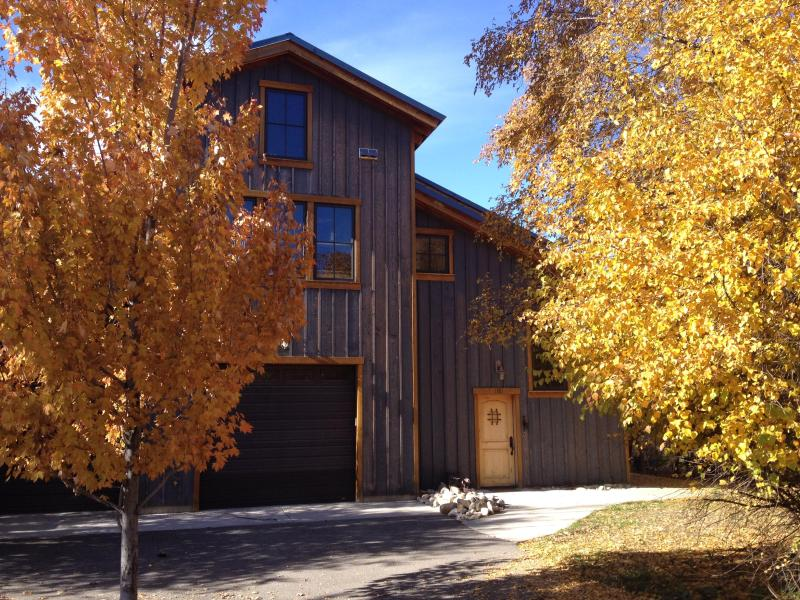 Outside in the fall. The Lodge is up one flight of stairs. - SMITHFIELD CANYON LODGE -five miles north of Logan - Logan - rentals