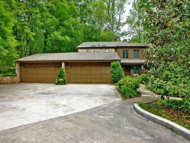 Garages and plenty of parking - Blue Ridge 7/4.5 cabin swimming pool creek - Blue Ridge - rentals