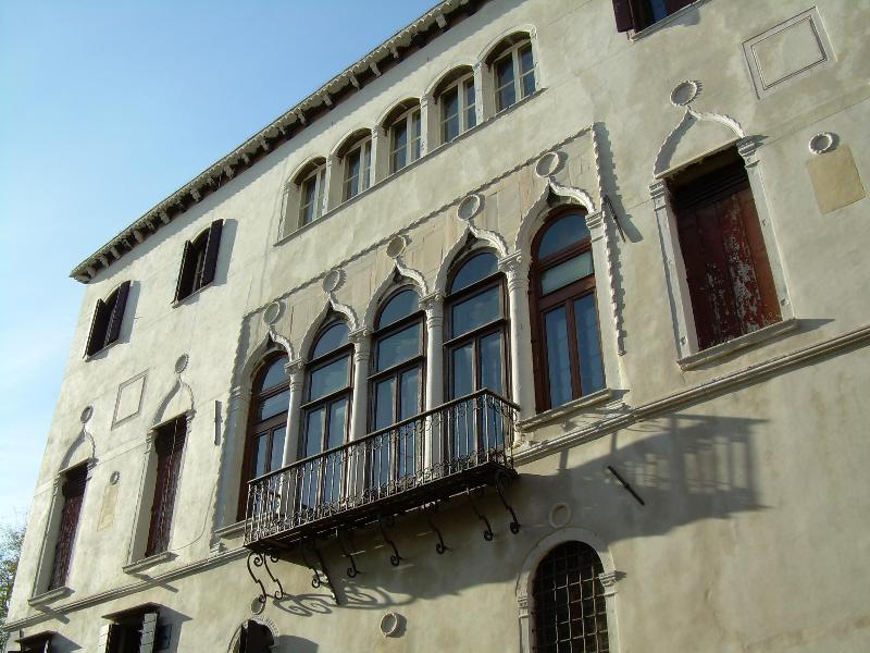 the gothic facade of the Palazzo - GRANDIBEN,  in an outstanding Gothic Palazzo - Venice - rentals