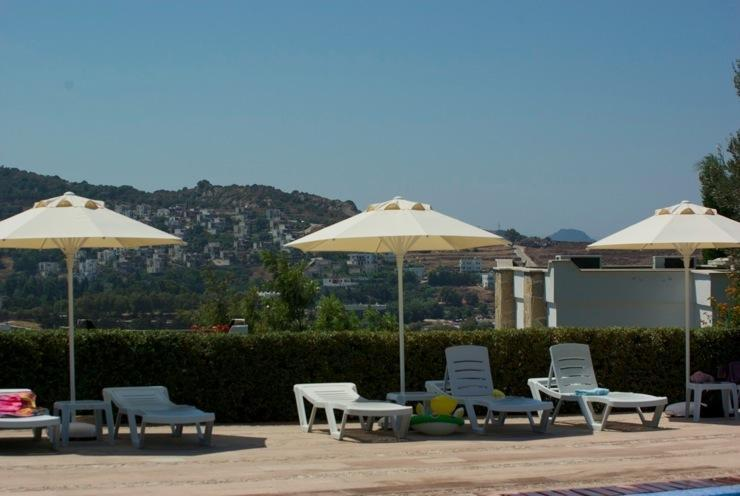 relaxing at the pool - Gumusluk, Bodrum - aparment for rent near the sea - Gumusluk - rentals