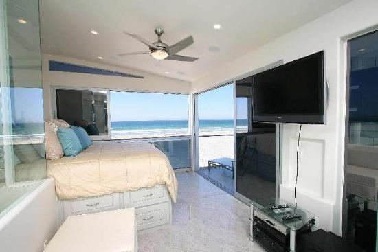 Master Suite - Rockaway 1 - Oceanfront Modern 1BR Luxury - Mission Beach - rentals