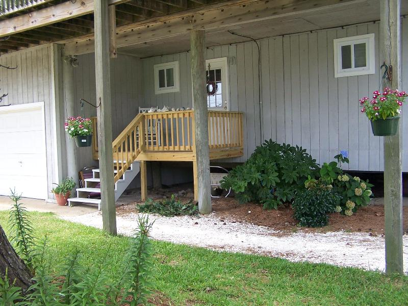 Private covered front porch - At Sunset 2, Studio apartment in Sandbridge - Virginia Beach - rentals