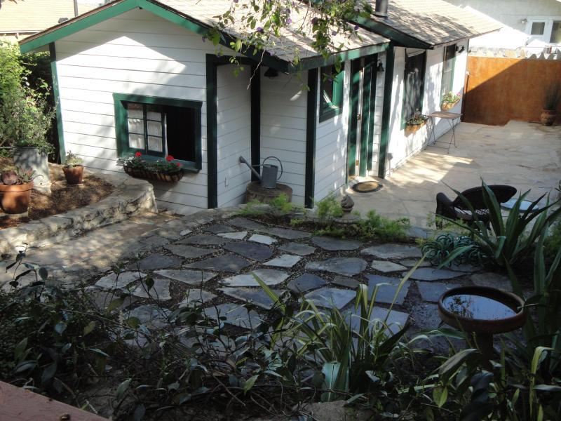 Silverlake Garden Cottage Deluxe - Image 1 - Los Angeles - rentals