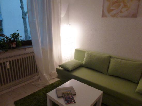 Vacation Apartment in Freiburg im Breisgau - 603 sqft, modern, comfortable, warm (# 2703) #2703 - Vacation Apartment in Freiburg im Breisgau - 603 sqft, modern, comfortable, warm (# 2703) - Freiburg im Breisgau - rentals