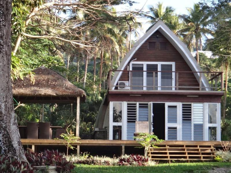 Villa Chelle and its large deck and new fare - Villa CHELLE Luxury 4 Bed 2 Baths POOL Waterfront - Port Vila - rentals