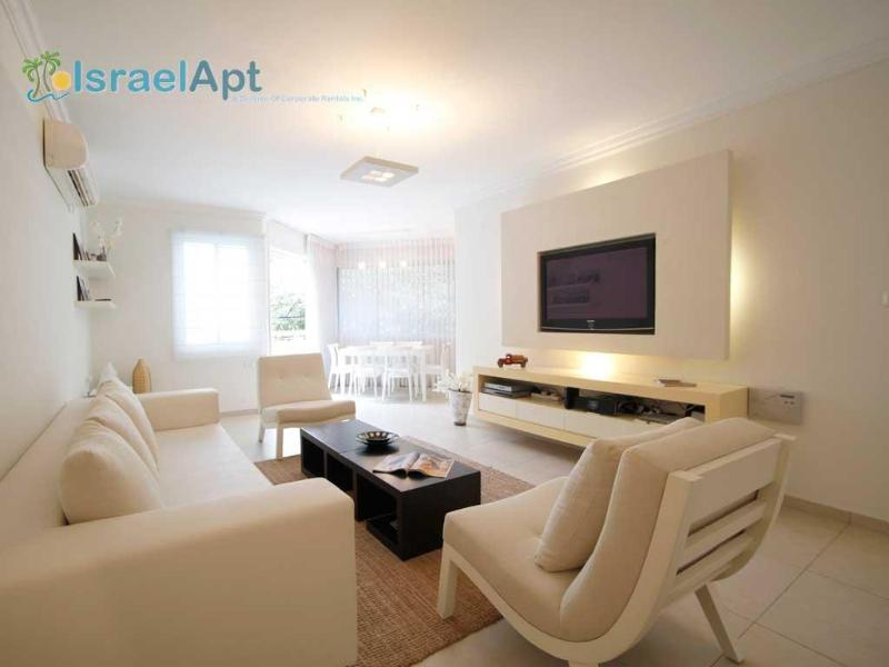 Prime Beachside Unit, Arnon Street - Image 1 - Tel Aviv - rentals