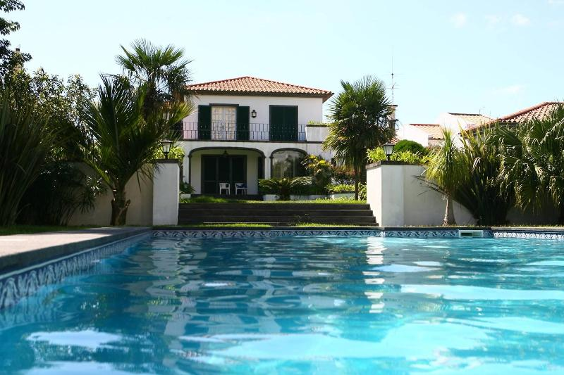Swimming pool/ Garden - Casa dos Agapantos - Studio in Ponta Delgada - Ponta Delgada - rentals