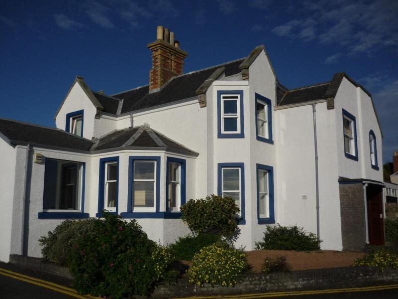 Old Admiralty House - 3 bed apt in stunning location at the Home of Golf - Saint Andrews - rentals