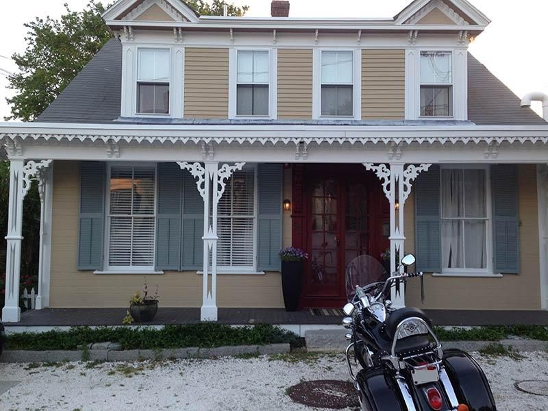 Evening at Casa Perla.   Shows front door private entrance. - Gorgeous 2 Bdrm Condo in Central Location Home - Provincetown - rentals