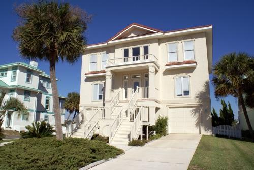 4200 Square foot waterfront home in Parasol West s/d awaits you! Near Flor-Bama and beaches! - Lovely Waterfront Home with yard, Pool Access, 5 Bd, Sleeps 10, Pets ok, Fishing - Orange Beach - rentals