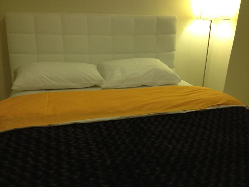 bedroom1 - Sisli Taksim Beyoglu 2+1 Apartment - Istanbul - rentals