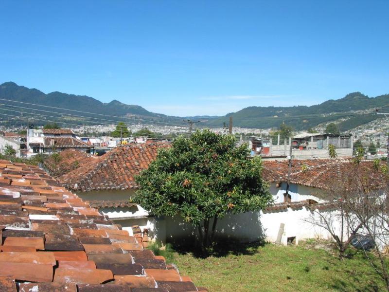 View from rooftop patio looking west - Casa Berta  Beautiful Comfortable Spacious  3 Bed - San Cristobal de las Casas - rentals