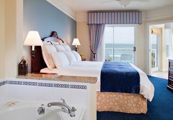 Master bath with oversized spa tub - Marriott Aruba Surf Club. All weeks, best rates! - Palm Beach - rentals