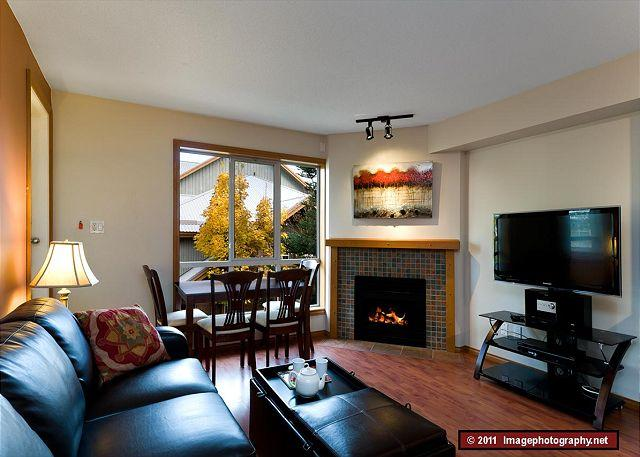 Glaciers Reach #2 - 2 Glaciers Reach, this 2br home has a hot tub & pool in Whistler Village - Whistler - rentals