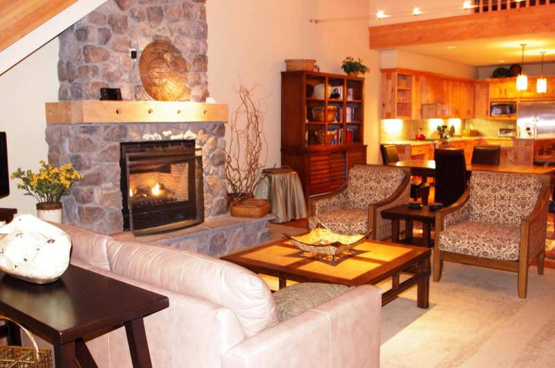 Living Room - Listing #392179 - AC Pet Friendly Penthouse-Ski free, VIP Deals - Government Camp - rentals