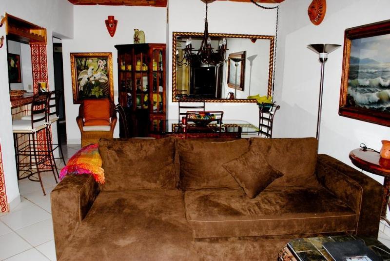 Living & dining room area - Beautiful beachhouse in Bucerias with rooftop deck - Bucerias - rentals