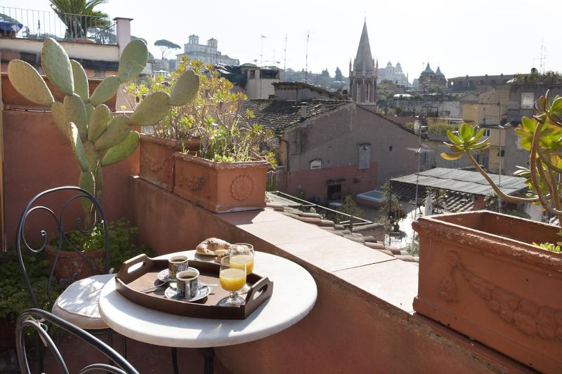 A large studio apartment with a panoramic terrace in Rome's historic district - Image 1 - Rome - rentals