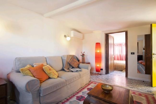 A bright and spacious apartment with a large terrace in the heart of Trastevere. - Image 1 - Rome - rentals