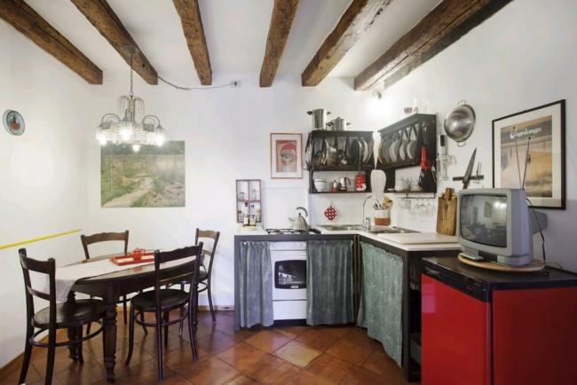 A charming and bright apartment with a gorgeous view of Arsenale's towers and lions. - Image 1 - Venice - rentals