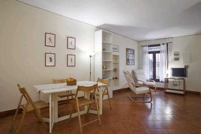 A spacious studio apartment on San Severo's canal in front of the Palazzo Zorzi (UNESCO's office) - Image 1 - Venice - rentals