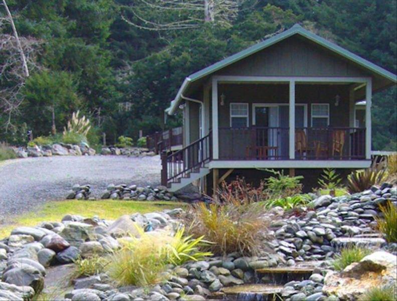 Cottage #2, the Honeymoon Suite - The Golden Eagle Cottages: 2 - Trinidad - rentals