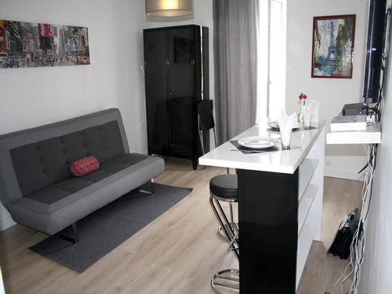 Living room with sofa bed - parisbeapartofit - Marais Rue Charlot (969) - Paris - rentals
