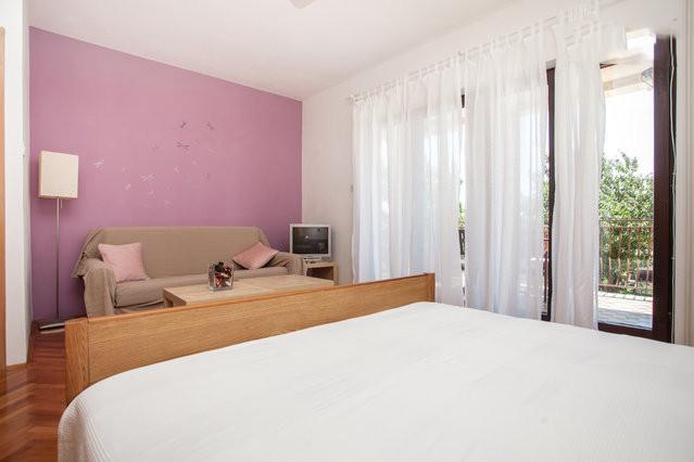 Apartments Maras Porec A4 (4 pers. 2 bedroom) WIFI - Image 1 - Porec - rentals