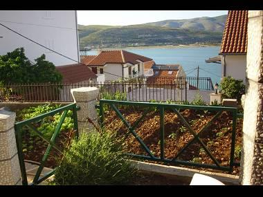 A2 mali (2+1): terrace view - 5515  A2 mali (2+1) - Mastrinka - Mastrinka - rentals