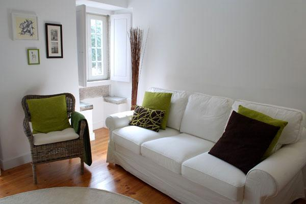 Armchair and sofa - New cozy and charming apartment in historic Alfama - Lisbon - rentals