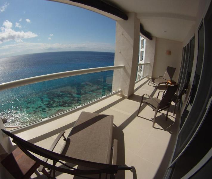 Relax on Nirvana's terrace overlooking the Caribbean - Casa Nirvana - 7th floor Peninsula Grand Cozumel - Cozumel - rentals